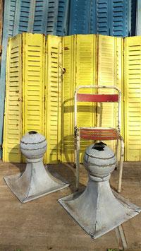 1 Paar alte Turmspitzen aus Blech als Deko
