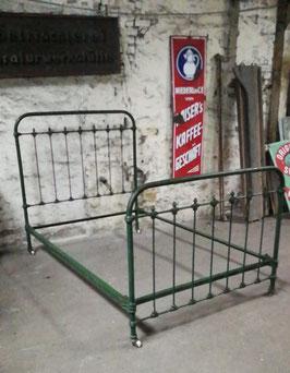altes antikes Bett Metallbett aus Frankreich Jugendstil nr 0405