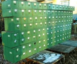4 m lange Schubladenschränke mit zwei Schubladenreihen 0603-02