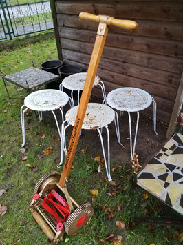 antiker Handrasenmäher für Gartenfreunde GI-2611