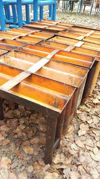 alte Eisengestelle super für Sitzbänke oder Couchtische 1502