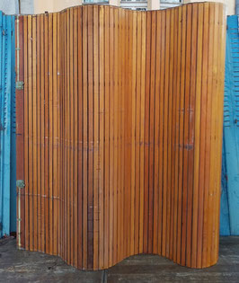 alter Rollladen aus Holz Wandverkleidung Kabine