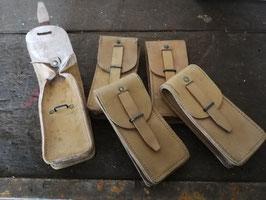 alte Ledertaschen der französischen Armee Werkzeugtaschen Federtaschen klein