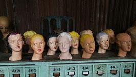 Dekorative Puppenköpfe aus Gipsstuck handgefertigt und bemalt Nr 3008
