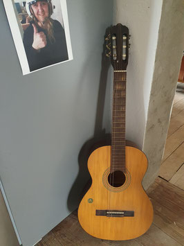alte Gitarre für Dekozwecke Nr 0207