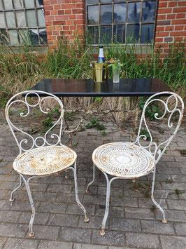 1 Paar antike, schwere Gartenstühle aus Frankreich Nr 1706