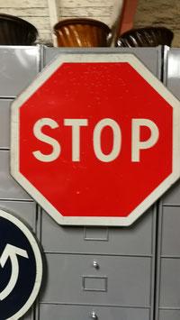 altes Stopschild aus Frankreich Nr 0810-02