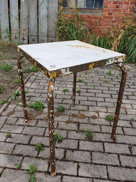 alter Eisentisch Metalltisch Gartentisch weiss 0109-03