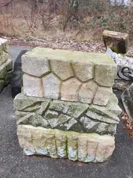 3er Set alte Ziersteine Podeste Sockel Sandstein