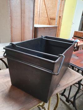 alte Eisenkiste Stapelkasten RAYDA Transportkasten restauriert 1105