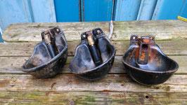 alte Emaille Tränke Seifenschale schwarz Vogeltränke