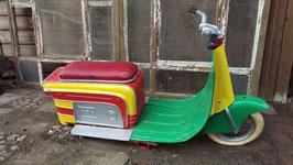 alter Karussell Roller Lambretta