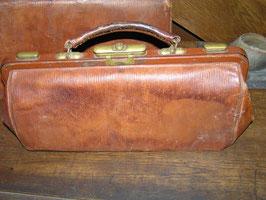 antiker Arztkoffer antike Arzttasche