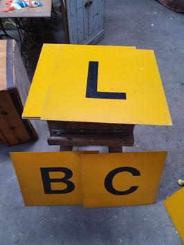 Schöne Metallschilder mit Buchstaben gelb Nr 2204