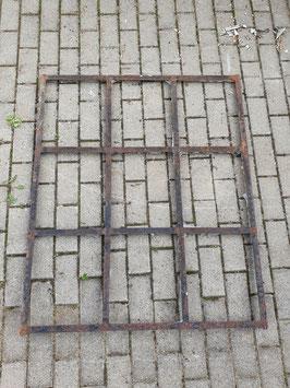 altes Eisenfenster (kein Guss) Nr 1309-05