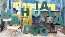 alte Buchstaben aus Blech grün 2209rest
