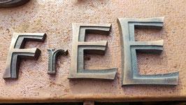 """alte kleine Metallbuchstaben  """"Free"""""""