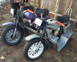 alte Karussell Chopper Motorräder