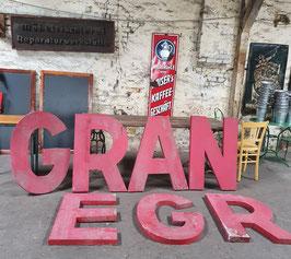 große alte Buchstaben Werbebuchstaben rot Nr 0203-05