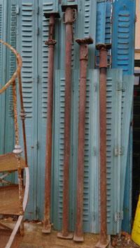 4er Set alte Drehsteifen zum ausziehen Stützen vom Bau