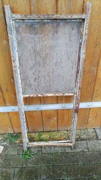 altes Eisenfenster 97 x 43 cm