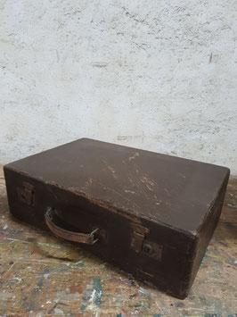 alter großer Holzkoffer Nr 2906