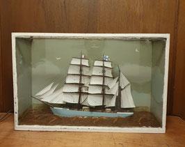 altes Modell Seegelschiff Schiffsmodell im Schaukasten Nr 0701