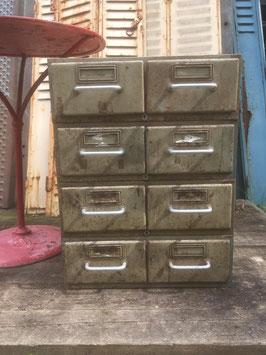 Schönes Set alter Ablagekästen alte Schubladenschränkchen Metall Nr 0711-03
