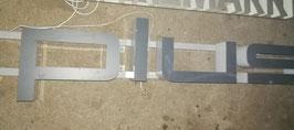 """alte Buchstaben in grau-weiss """"Plus"""" Nr 2102-04"""