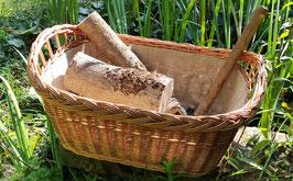 Holzkorb Weide naturbraun mit eingeflochtenen Griffen und Jutefutter