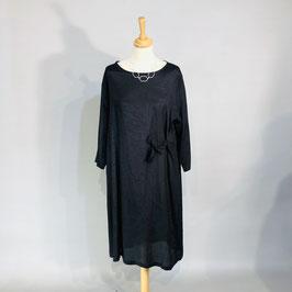 Schwarzes Masai-Kleid mit seitlichem Bändel