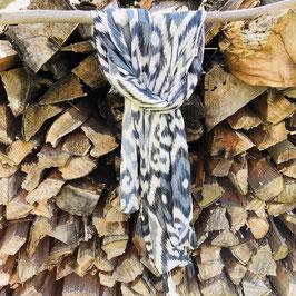 Schal in Grau/Blau gemustert mit Quasten und feinem Silber-Streifen