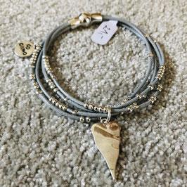 Hellblaues Leder-Armband mit silbernem Herz