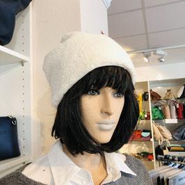 Kuschelige weiße Teddy-Mütze