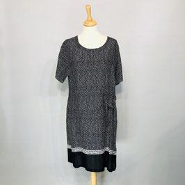 Feines schwarz/weiß gepunktetes Kleid von Masai