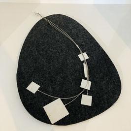 Längliche silberne Designer-Kette von Petra Meiren mit Quadratischen Anhängern