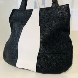Schwarz-weißer Shopper aus genarbtem Leder mit langen Schulterriemen