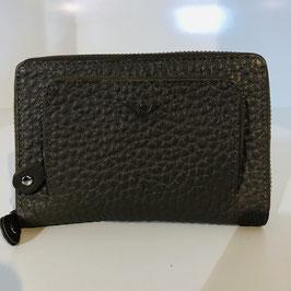 Taupe-farbener Geldbeute der Marke VOI aus genarbtem Leder