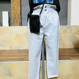 Weiße Jeans-Hose mit hohem Bund