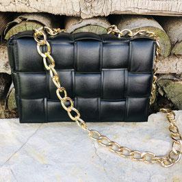 Schwarze geflochtene Tasche mit goldener Kette