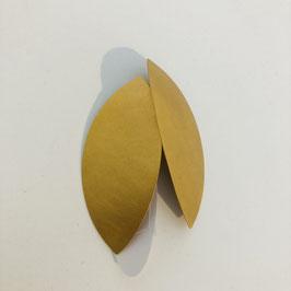 Längliche goldene Designer-Ohrringe von Petra Meiren