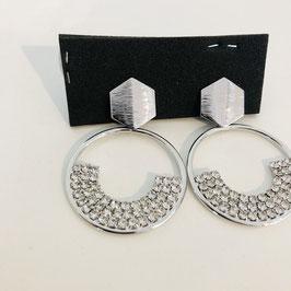 Silberne Ohrringe hängend mit Strasssteinen