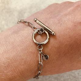 Silbernes Edelstahl Armband mit besonderer Schließe