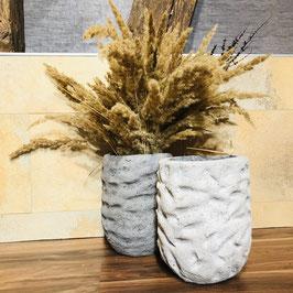 Beton-Vasen in 2 Grau-Tönen
