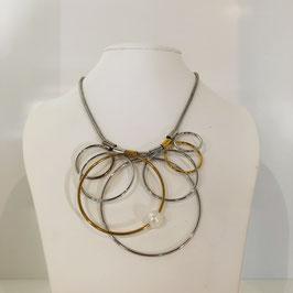 Designerkette mit goldenen und silbernen Kreisen