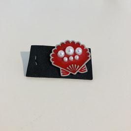 Muschel mit Perlen / Pin