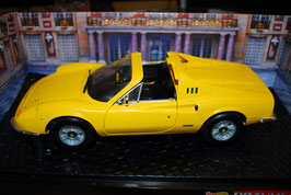 1:18 Ferrari 246 Dino GTS gelb