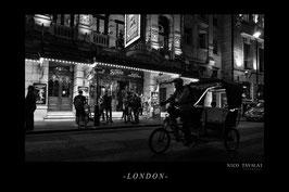 London bei Nacht in schwarz-weiß