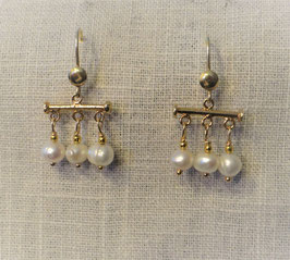 Pearl earrings 'Crotalia'