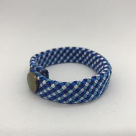 Armband hellblau gemustert